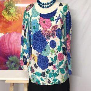 Floral pullover.